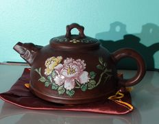 Yixing teapot - Peony flower - China - 2nd half of 20th century