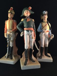 Napoleon and 2 soldiers - figurines