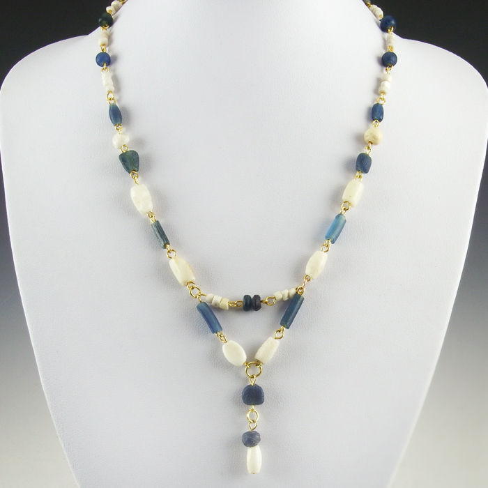 Necklace with Roman blue glass, shell and stone beads, including clasp - 51 cm