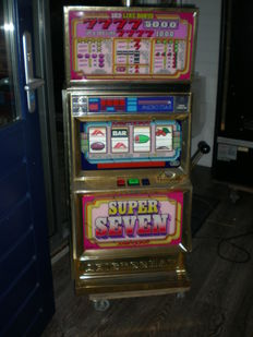 Rare 4-reel slot machine