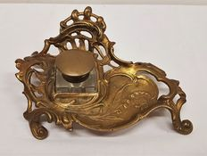 Bronze/copper Art Nouveau Inkwell holder with glass Inkwell