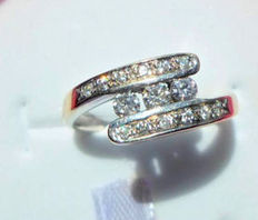 Ring in white gold set with 0.30 carats of diamonds