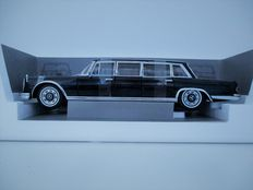 Sun Star - Scale 1/18 - Mercedes-Benz 600 Pullman 1966