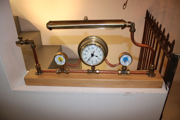 Steampunk desk lamp that is also a clock