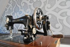 "Antique sewing machine ""Gritzner Durlach"" with original parts"