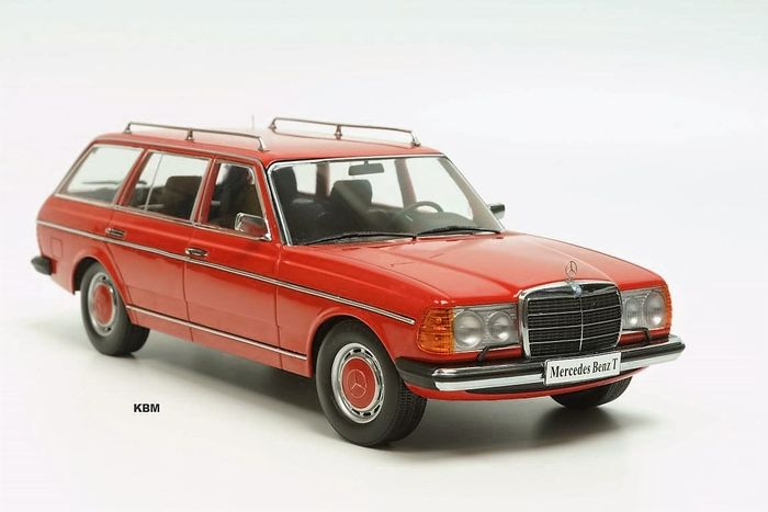 KK-Scale - Scale 1/18 - Mercedes-Benz 250T W123 Estate 1977 red