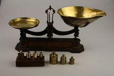 English antique scales with copper weights - early 20th century