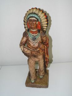 'V Kendrik Universal Statuary' Sculpture (Chicago) of Native American 40 cm