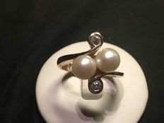 Ring with salt water natural pearls 6.5-7 mm and 0.20 ct diamonds
