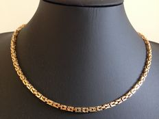 Gold Byzantine link necklace, 14 kt, new condition.