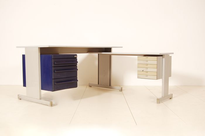 Ettore Sottsass voor Olivetti Synthesis - serie 45 bureau