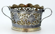 Silver gilt and niello two handled coaster, Russia, 20th century