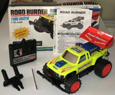 Vintage NIKKO Road Burner radio control  1/18   year 80