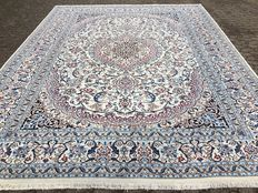 IN MINT CONDITION! NAIN 9 La with SILK - with certificate - approx. 389 x 298 cm - Persia - approx. 5 years old