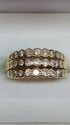 Beautiful 14 kt yellow gold solid ring with diamonds, 2.50 ct.