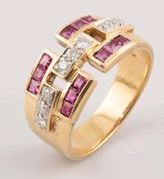 18 kt (750/1000) yellow gold ring - Diamonds totalling 0.18 ct - Rubies totalling 0.72 ct - No reserve.