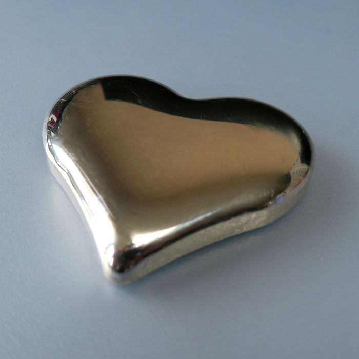 100 grams 999 silver - fine silver heart - cast - unique / can be engraved - great investment or gift