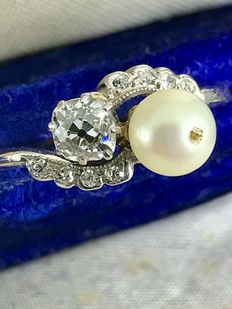 Crossover old cut diamond and pearl gold ring