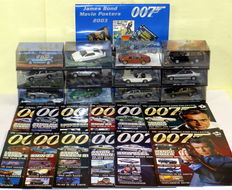 James Bond Car Collection - model cars - 1/43 - 2006-2008 - 12x model cars and magazines + James Bond movie poster calendar 2003