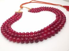 Natural Ruby necklace composed of 3 strands in weight approx. 805ct