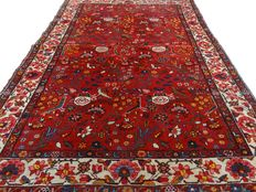 "Semi-antique Hamadan Sarough - 190 x 131 cm. - ""Beautifully kept Persian carpet in an almost not walked on condition"". Please mind! No reserve price: starts at €1.-"