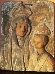 Ancient polychrome painted terracotta plaque depicting a crowned Madonna with Child - Italy - ca.1700