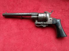 E. Lefaucheux pin fire revolver calibre 9 mm - ca. 1850