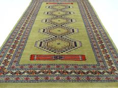 """Bouchara - 189 x 129 cm - """"Finely knotted Persian eye catcher in a beautiful condition"""". - Please mind! No reserve price: starts at €1.-"""