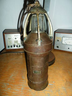 Authentic mine lamp 'pot lamp' no. 37 Douai