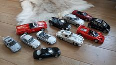 Various - Scale 1/26-1/18 - Lot with models Ford, Ferrari & Mercedes-Benz