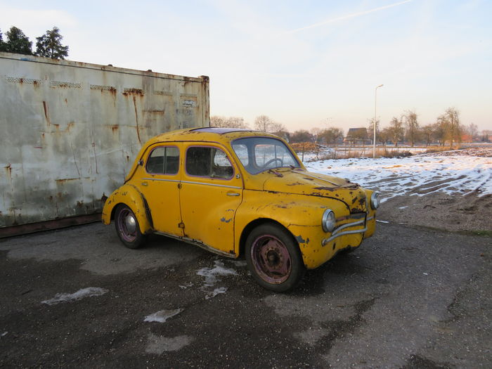 Renault - 4 cv - barn find - 1956