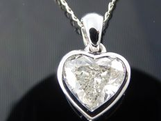 White gold necklace with 0.90 ct heart shaped diamond.