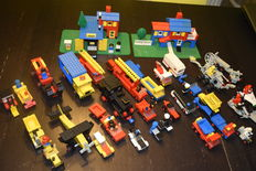Legoland / Classic Town / Space - 22 sets o.a. 356 + 368 + 126 - Swiss Villa + Taxi Station + Steam Locomotive