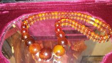 Centenarian pure Baltic amber necklace, circa 1915-1920