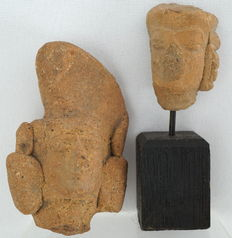 Large and small Majapahit fragment - 6.2 and 8 cm (2)