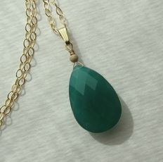 Gold necklace and pedant with large facetted green onyx