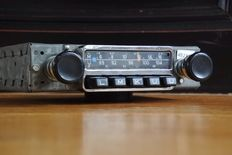 Blaupunkt Frankfurt classic car radio for 911 - 1971
