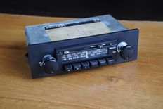 Philips 22AN491 Hi-Q stereo	car radio - 1981