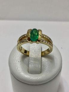 18 kt gold ring with diamonds and emerald – 17.13 mm