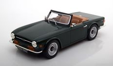 LS Collectibles- Scale 1/18 - Triumph TR 6-colour green
