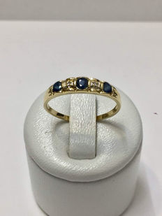 Gold ring with diamonds and sapphire for a total of 0.252 ct – No reserve price