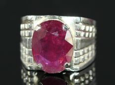 Silver men's ring set with ruby 10 ct.