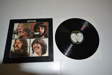 17 LP's with Beatles, John Lennon, George Harrison, Paul McCartney, Ringo Starr, Wings, Julian Lennon, Travelling Wilburys etc