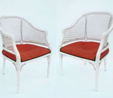 Pair of stools made of white lacquered wood imitating bamboo with English grid backrest, England, from the 80s.