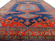 """Wiss – 319 x 253 cm – """"Broad Persian eye-catcher in royal blue – Beautiful condition"""""""