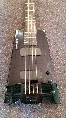 Cherrystone Headless bass guitar with cable and bag
