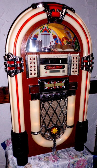jukebox musikbox retro wurlitzer mit radio tape und. Black Bedroom Furniture Sets. Home Design Ideas