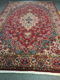 Beautiful, original Persian Birdjand in exclusive plant-based colour schemes! 208 x 317, in new condition!  Persia, free and fast shipping to Europe!