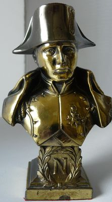 Bust Napoleon in bronze and brass.