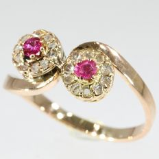 Flowery Antique 'toi et moi, you and me' diamond and red strass gold engagement ring